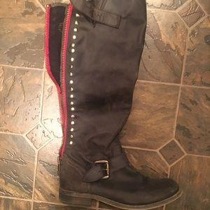 Size 7.5 Steve Madden Boots